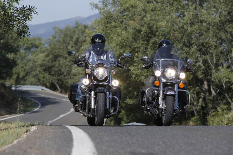 Comparativa Harley-Davison Road King y Moto Guzzi California.