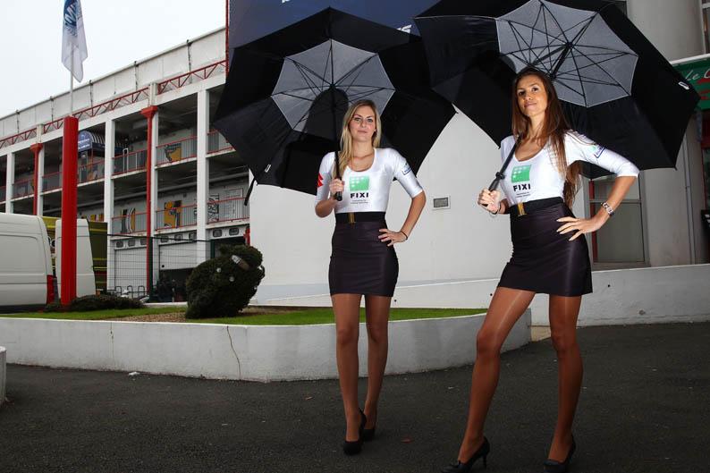 Las chicas del Mundial de SBK en Magny-Cours