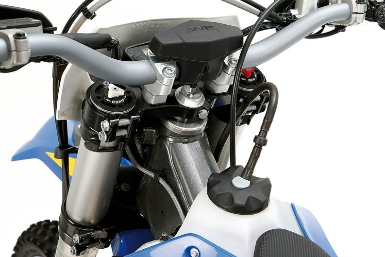 Comparativa Husaberg TE 300 y KTM 300 EXC. Galería de fotos