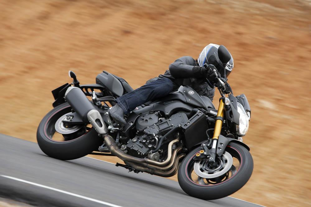 Comparativa naked Kawasaki, Suzuki y Yamaha. Galería de fotos