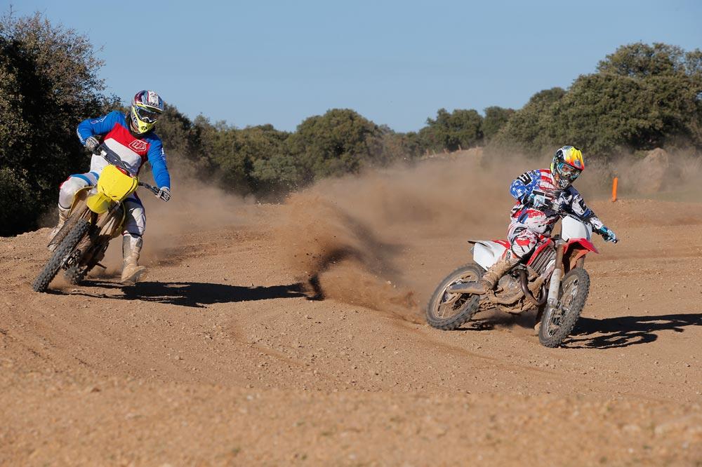 Galería de fotos de la comparativa motocross 450 2014 Honda y Suzuki
