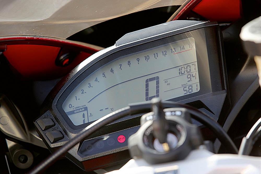 Comparativa Honda CBR1000RR SP y Kawasaki ZX-10R. Fotos
