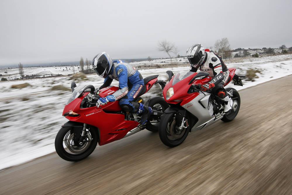 Comparativa: Ducati 899 Panigale - Mv Agusta F3 800. Galería de fotos.