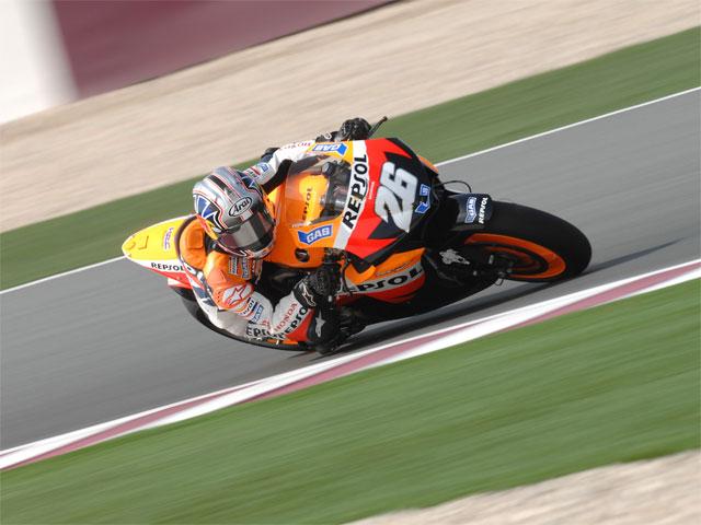 Stoner sorprende a Rossi