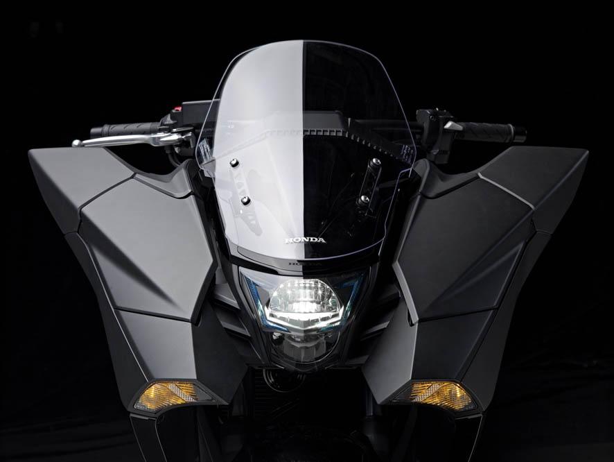 Honda NM4 Vultus. Galería