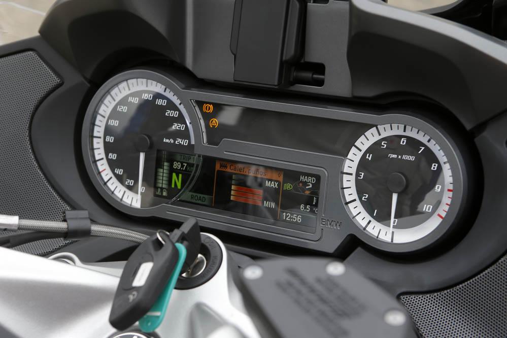 Fotos Comparativa BMW R 1200 RT, Triumph Trophy SE, Yamaha FJR1300A