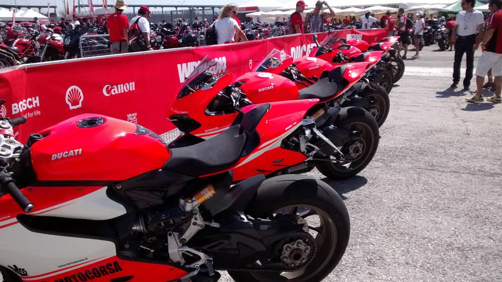 Fotos del World Ducati Week 2014