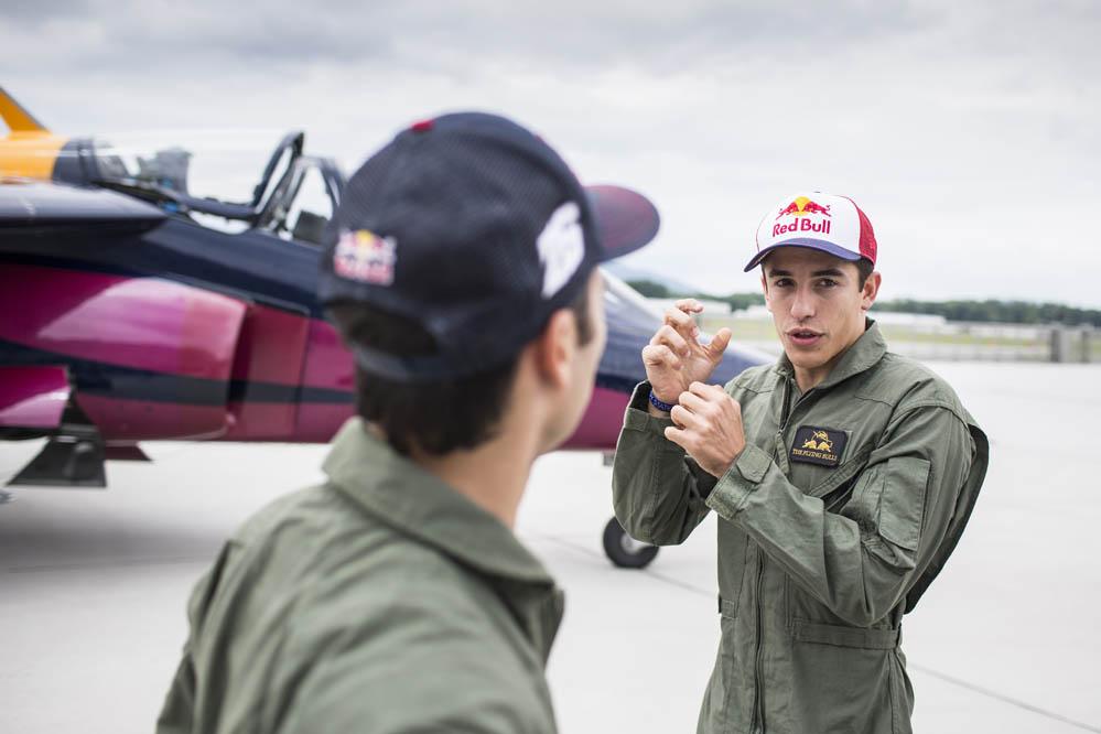 Pedrosa y Márquez vuelan gracias a Red Bull. Galería