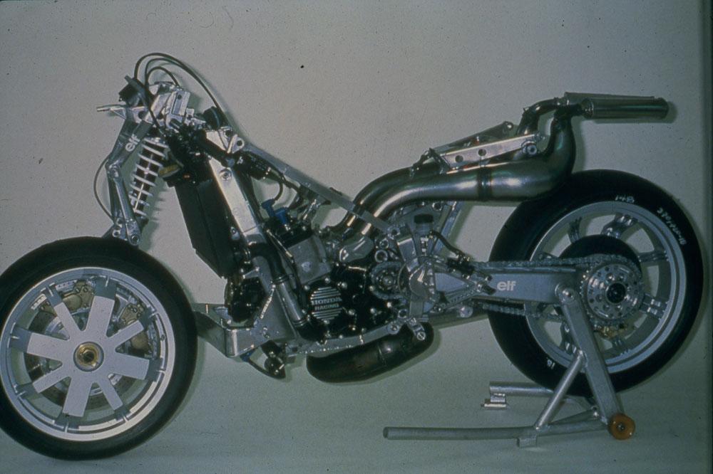 Las motos de carreras alternativas. Galería