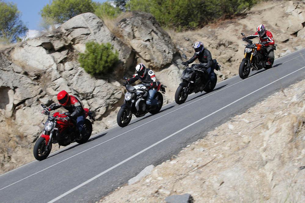 Comparativa Naked medias: Ducati Monster 821, Kawasaki Z800e, MV Agusta Brutale 800 y Yamaha Mt-09. Galería