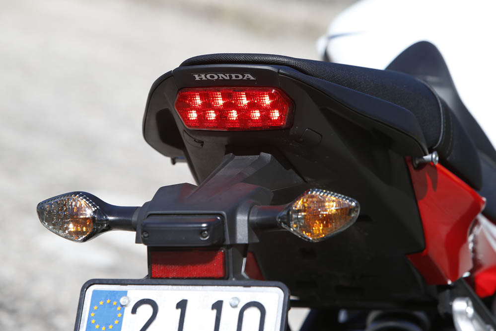 Comparativa Honda CB650F- Yamaha XJ6. Galería