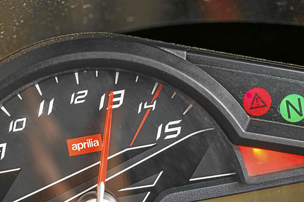 Comparativa deportivas 1000 Aprilia, BMW, KTM. Galería