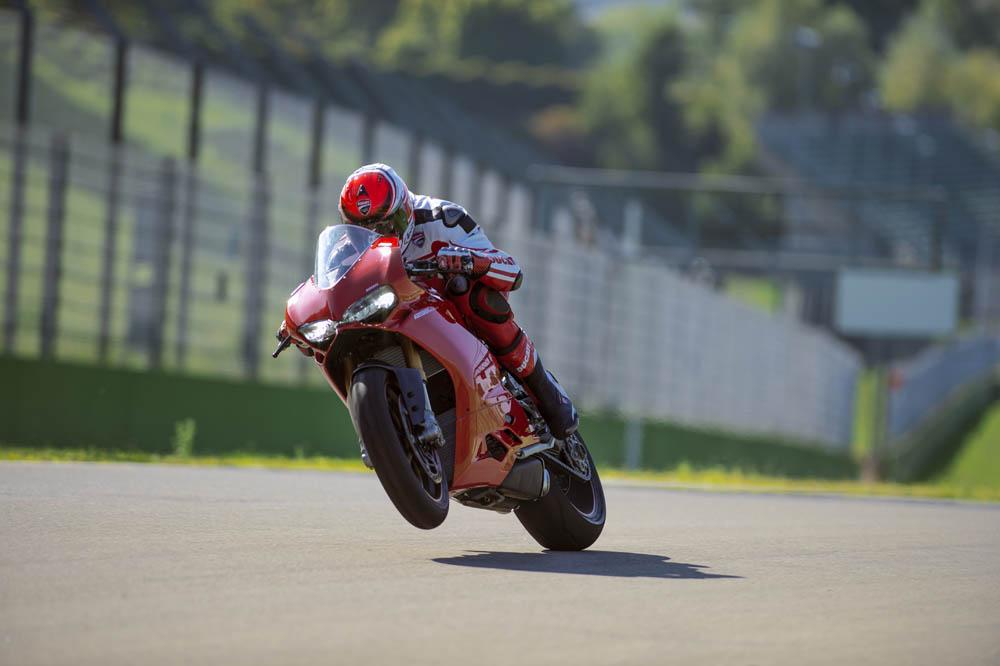 Ducati Panigale 2015. Fotos