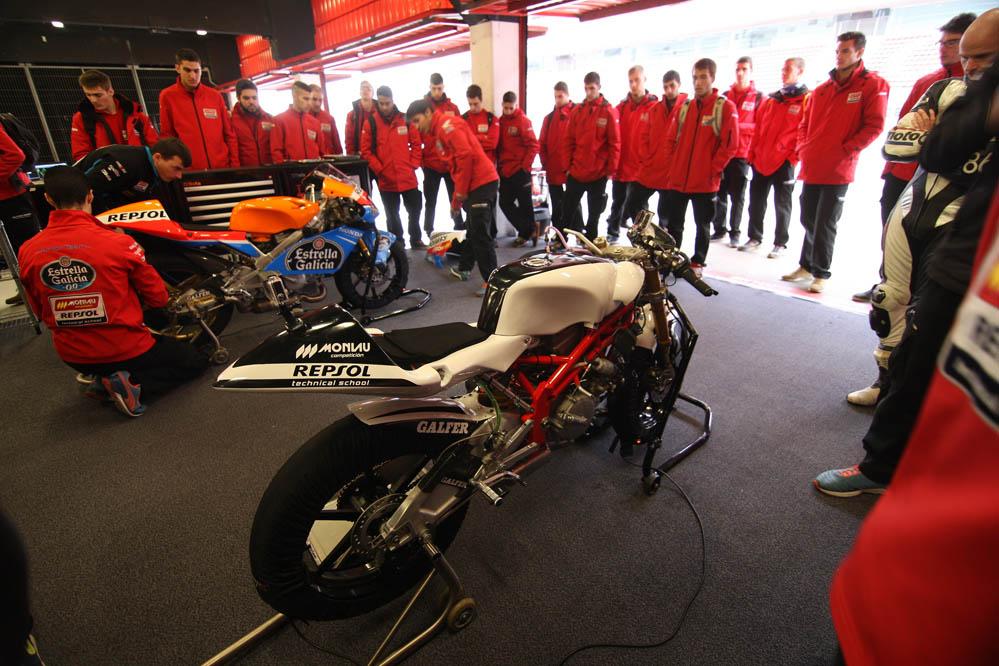 Fotos de la Moto3 de los alumnos de la Escuela Monlau