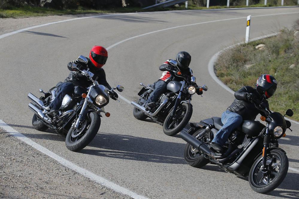 Comparativa Harley-Davidson Street XG750, la Suzuki Intruder M800 y la Triumph Speedmaster. Galería