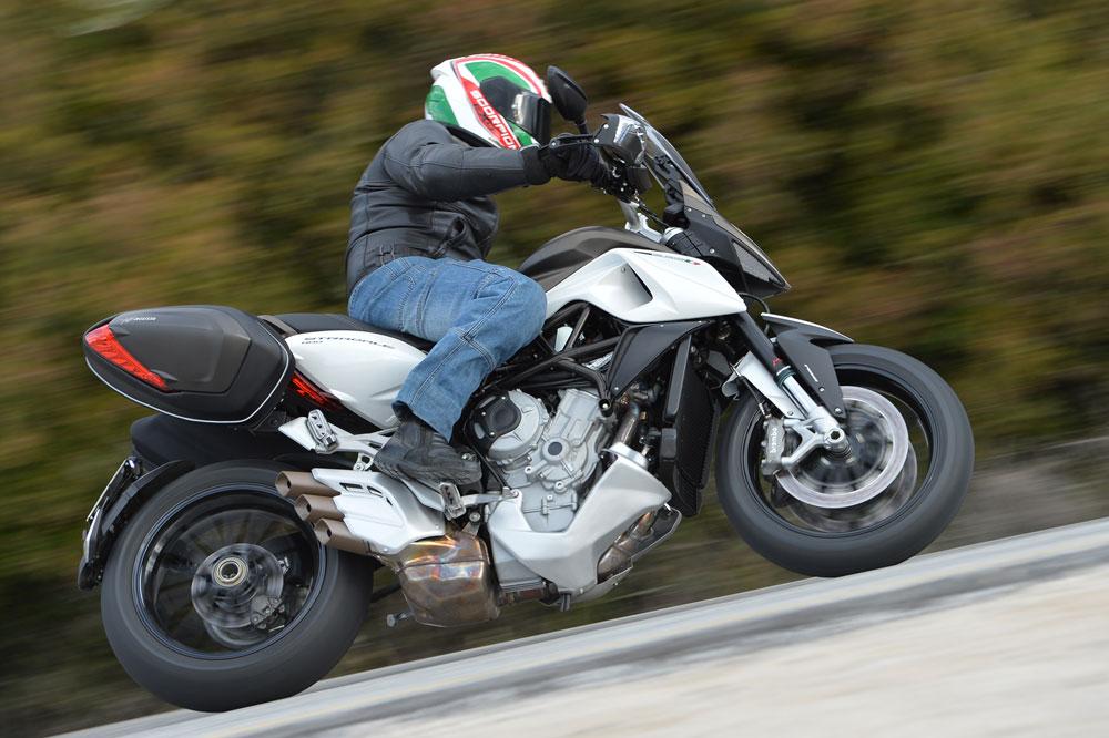 MV Agusta Stradale 800. Foto: Motociclismo.es