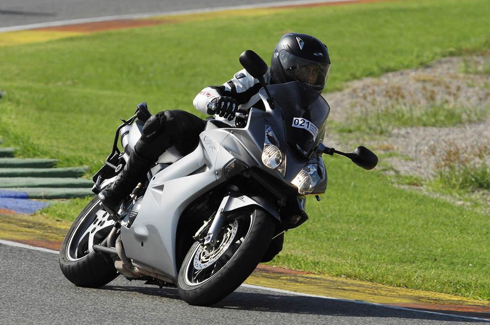 Objetivo 100.000: Honda VFR800 V-Tech. Galería