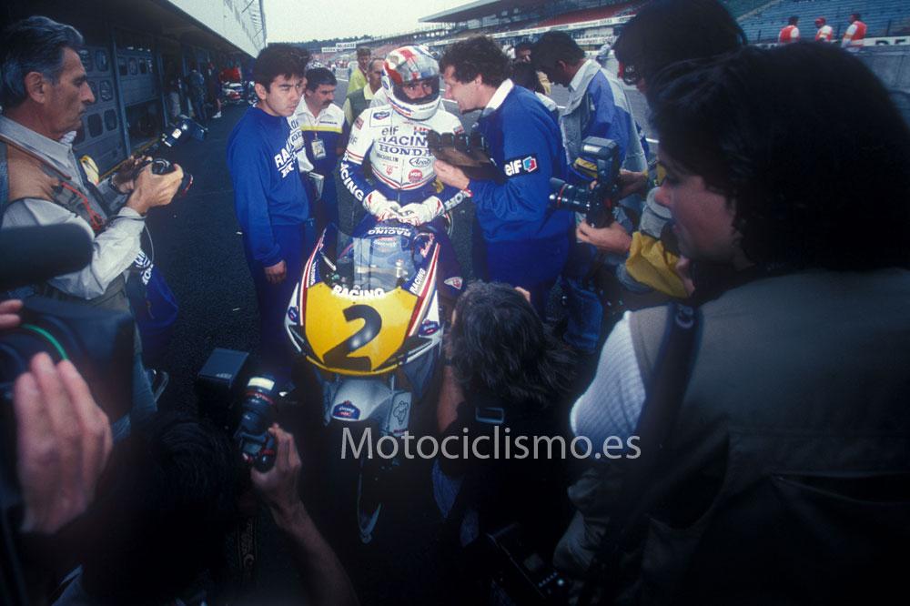 Fotos de Mick Doohan y su Honda 500 1992