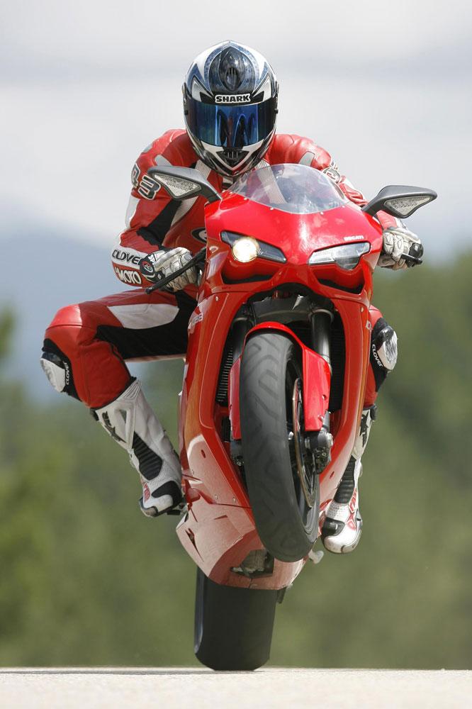 Las mejores fotos de la revista La Moto