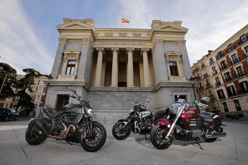 Comparativa Muscle Bikes: Ducati Diavel, Honda Gold Wing F6C y Yamaha V-Max. Galería