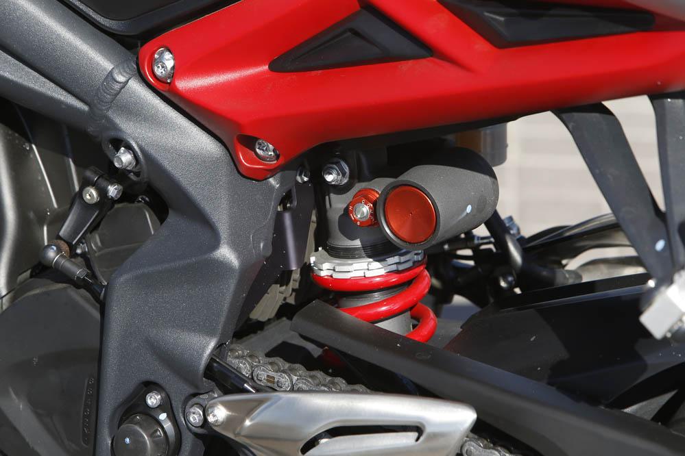 Comparativa naked medias: MV Agusta Brutale 675 y Triumph Street Triple RX. Galería