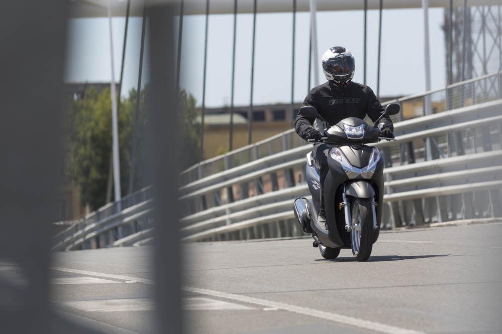 Honda Scoopy 300 2015. Galería