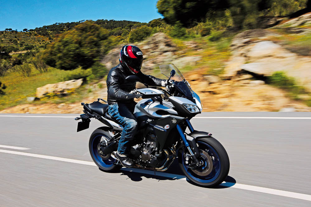 Comparativa Trail 800 17'': Ducati Hyperstrada, Honda VFR800X Crossrunner, MV Agusta Stradale 800, Yamaha MT-09 Tracer