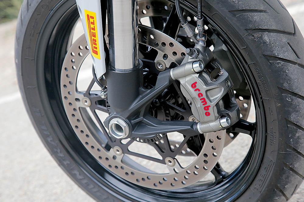 Comparativa: BMW S 1000 XR-Ducati Multistrada S. Imágenes