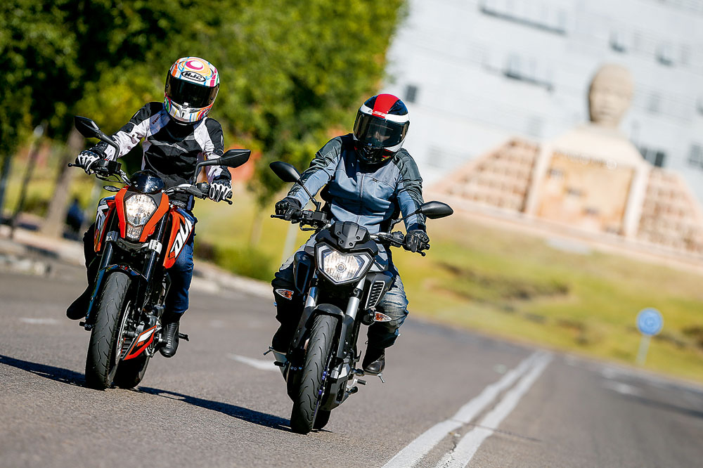 KTM 125 Duke vs Yamaha MT-125