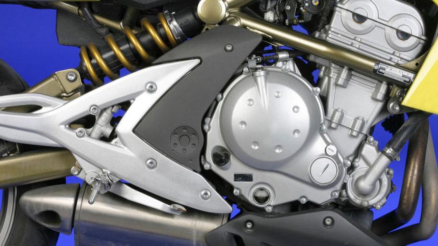 Cambiar los discos de embrague de tu moto, paso a paso