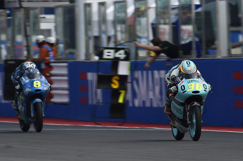 La carrera de Moto3 en Misano, en fotos