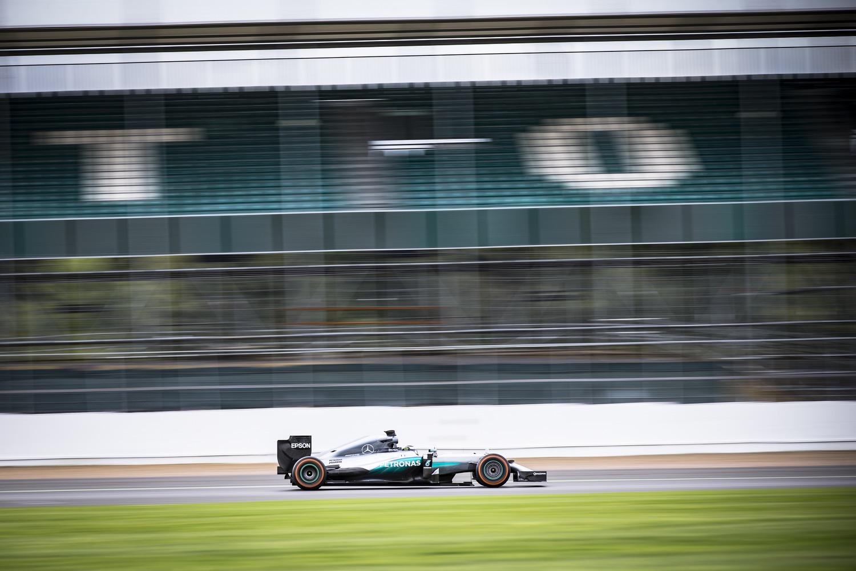 Jorge Lorenzo conduce el Formula Uno de Hamilton