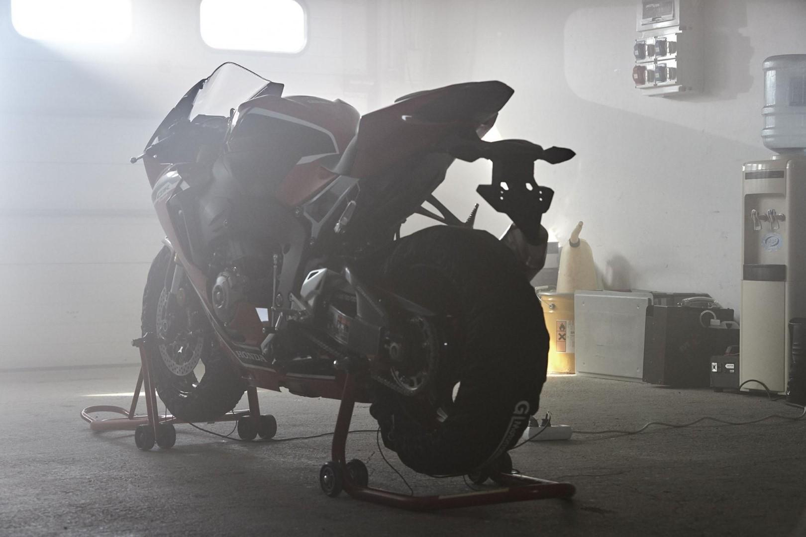 Honda CBR1000RR Fireblade 2017 fotos