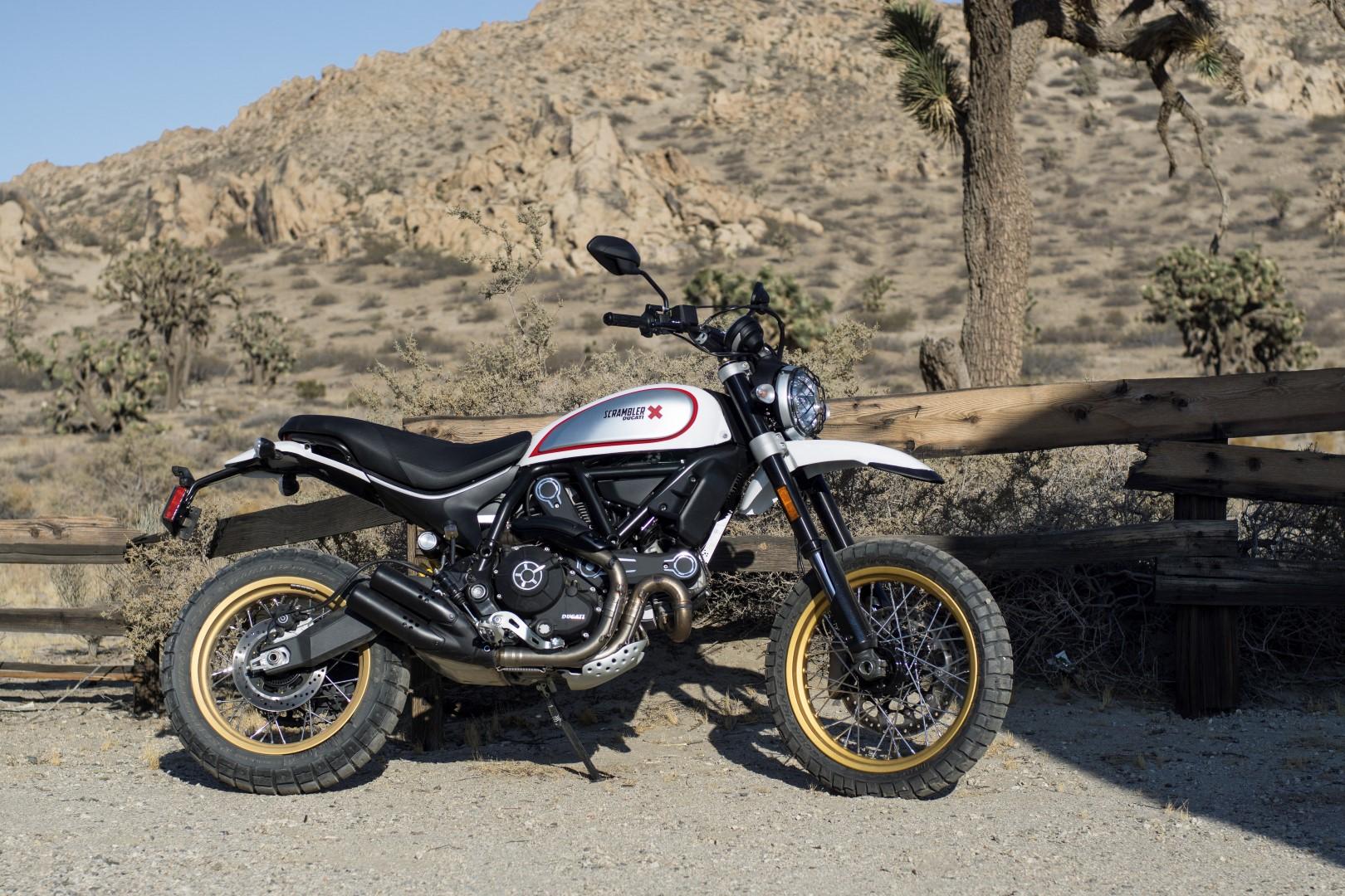 Ducati Scrambler Desert Sled 2017 fotos