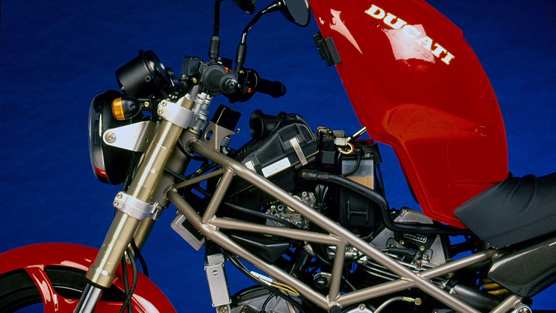Retroprueba Ducati Monster 900 de 1993 fotos