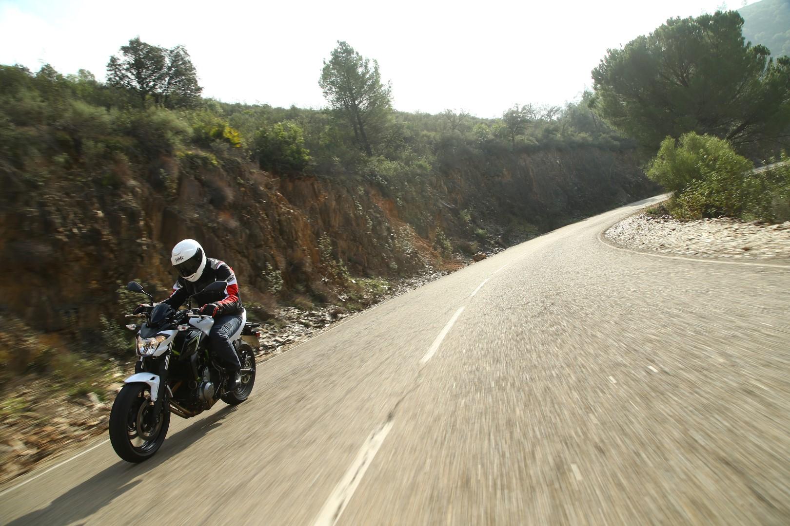 Kawasaki Z650 2017 prueba fotos