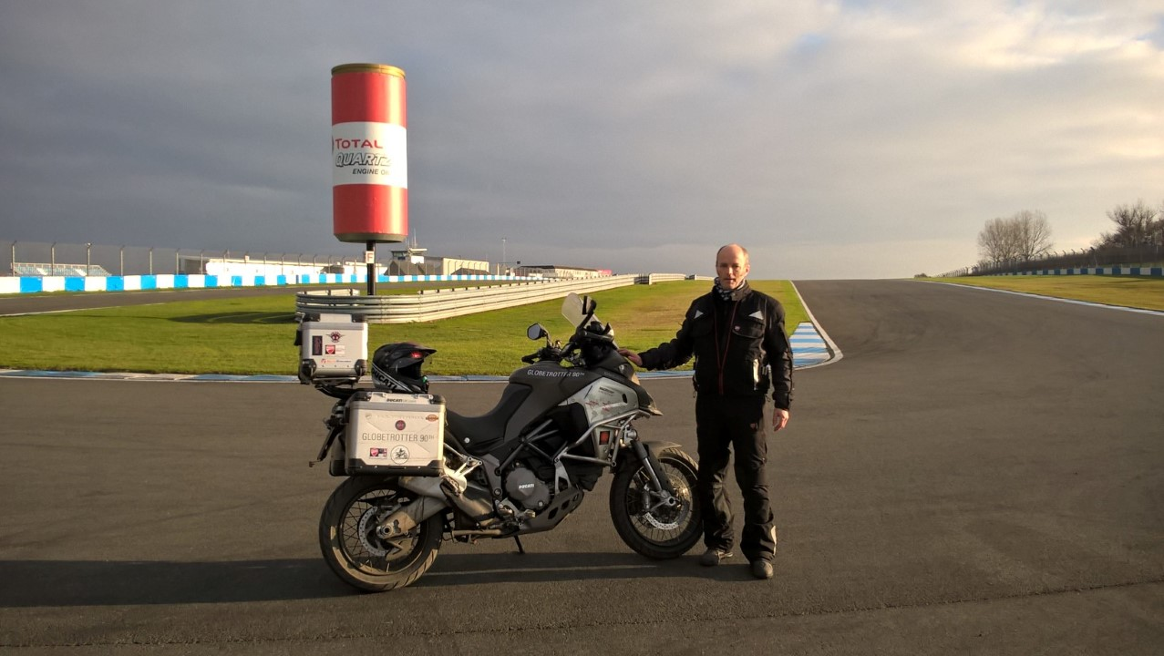 Vuelta al mundo de Ducati.