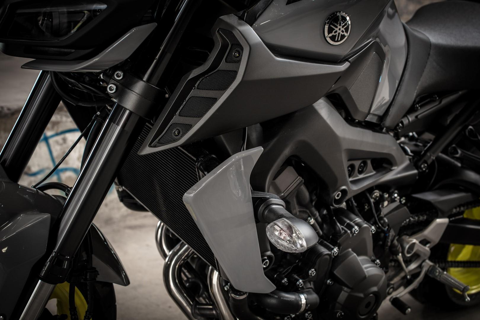 Yamaha MT-09 2017: los ojos de la oscuridad, fotos