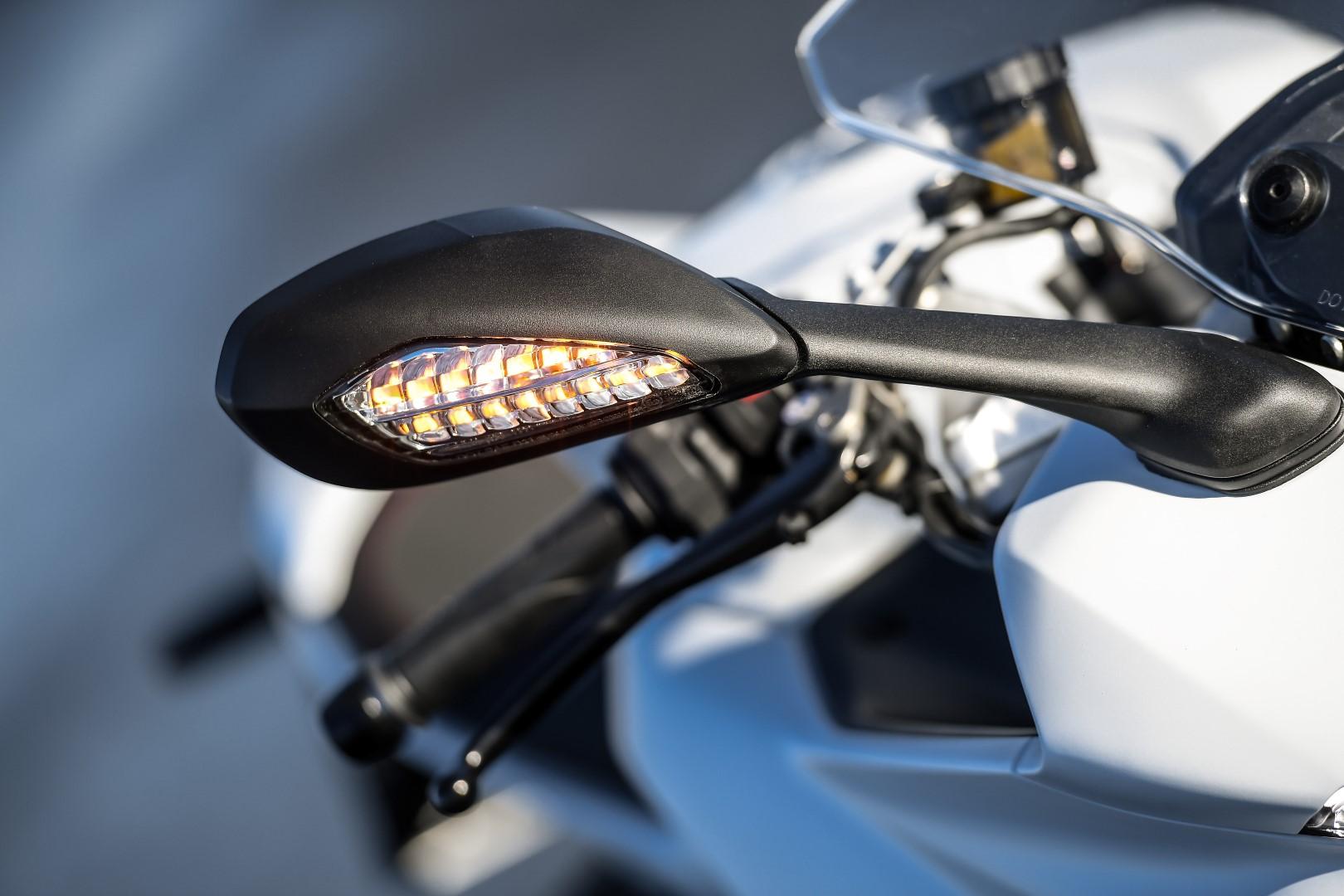 Ducati Supersport y Supersport S fotos