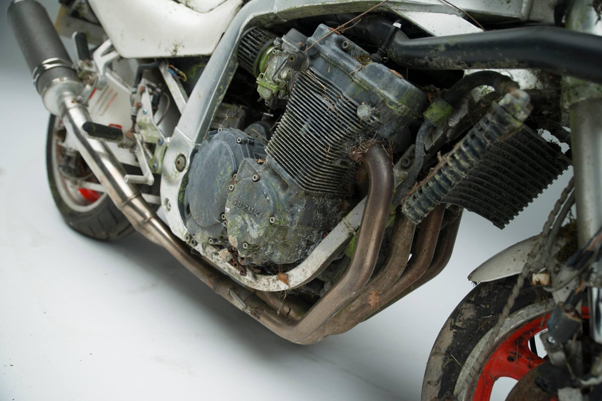 Suzuki GSX-R1100, restauración extrema
