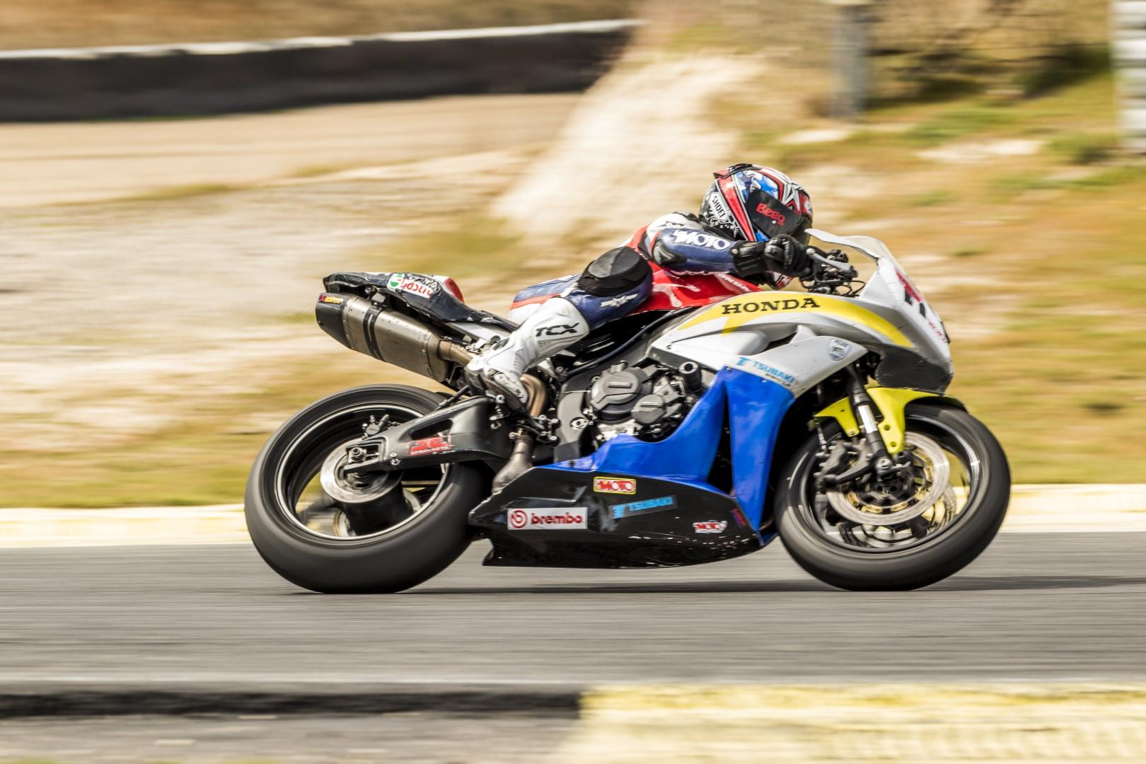 Arranca el Trofeo RACE Féminas 50 Aniversario