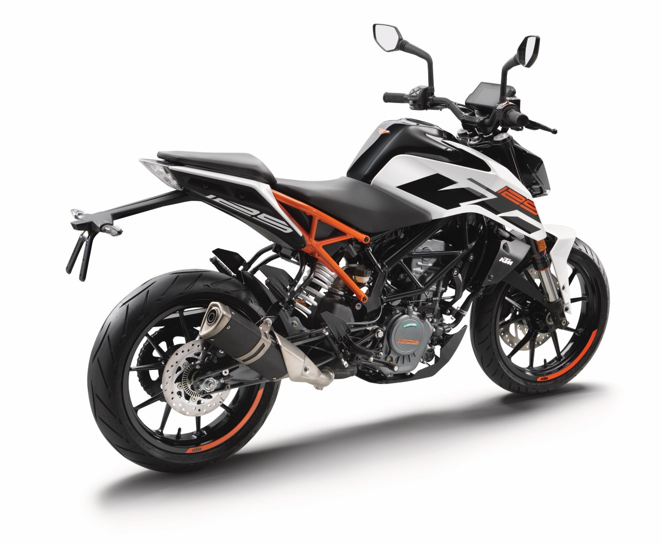 KTM 125 y 390 Duke 2017. Fotos