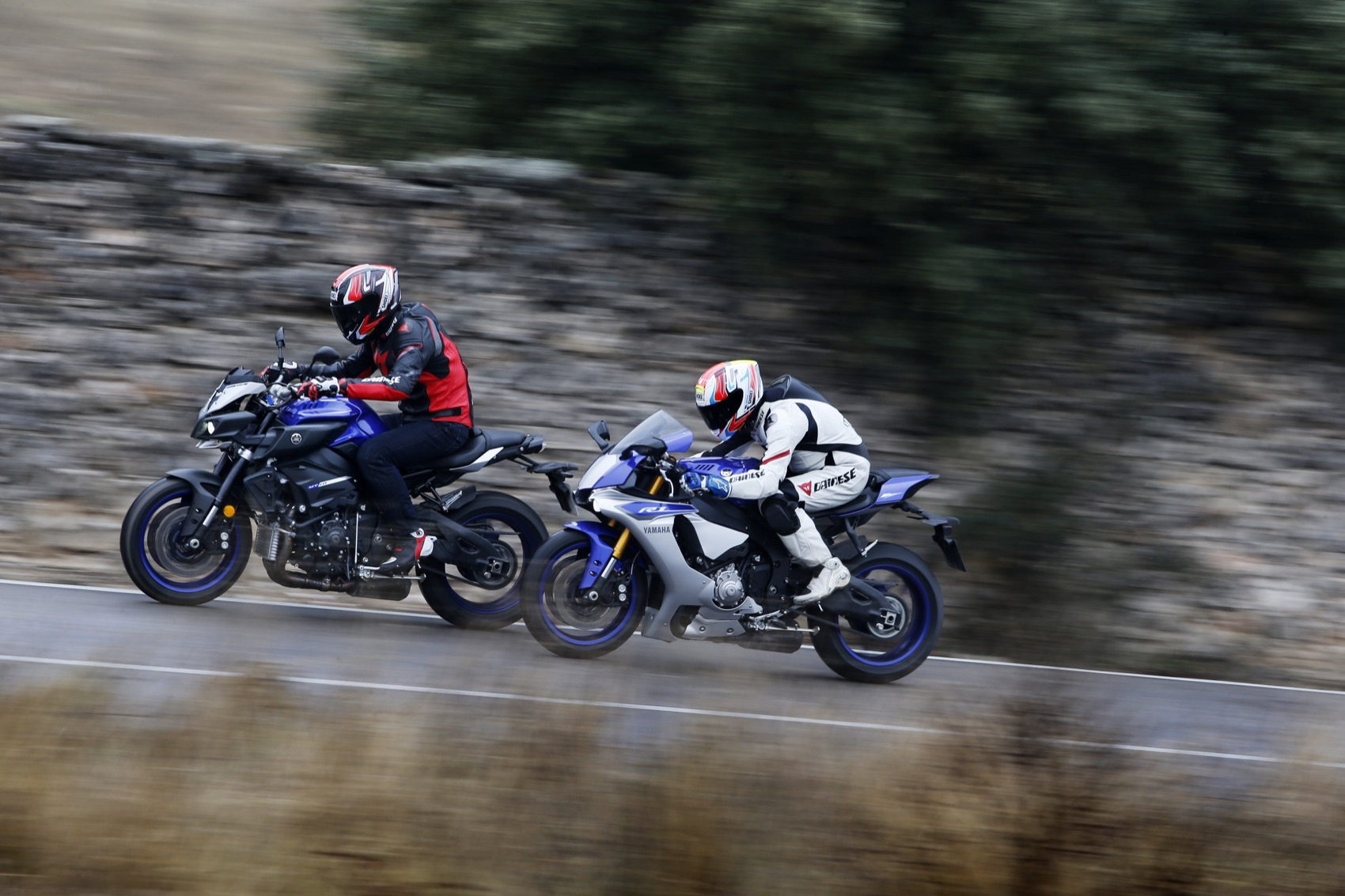 Comparativa Yamaha MT 10 vs Yamaha YZF-R1