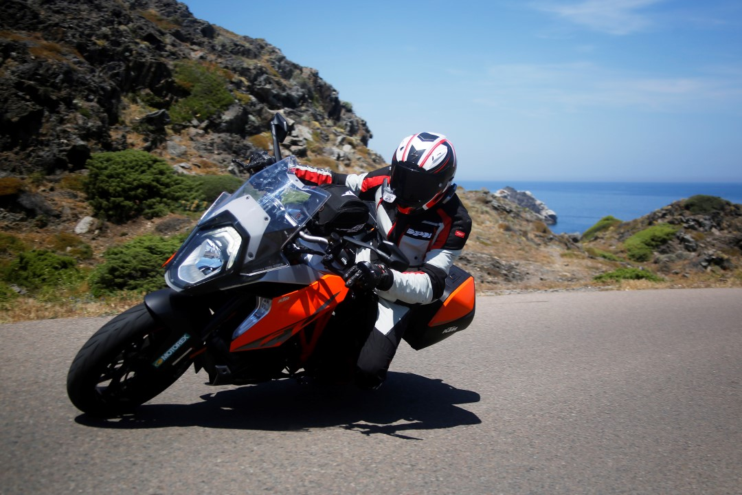 KTM 1290 Super Duke GT, Dolomitas a Costa Brava. Fotos