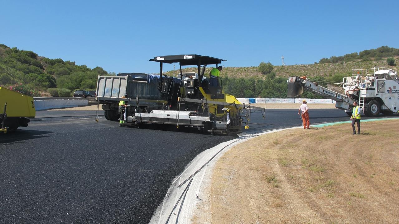 Reasfaltado del Circuito de Jerez