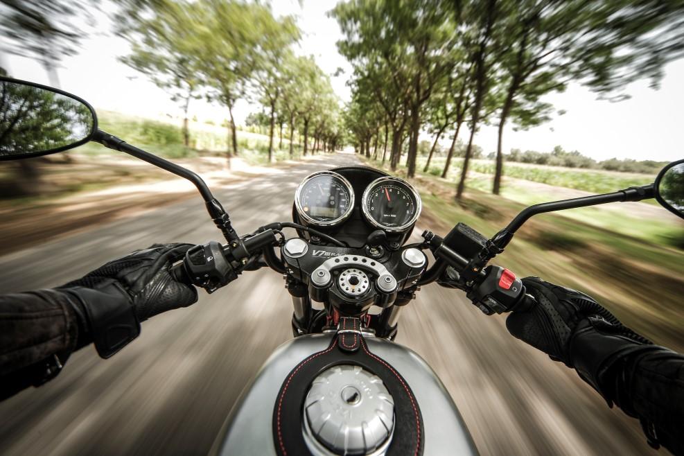 Moto Guzzi V7 III Racer, fotos