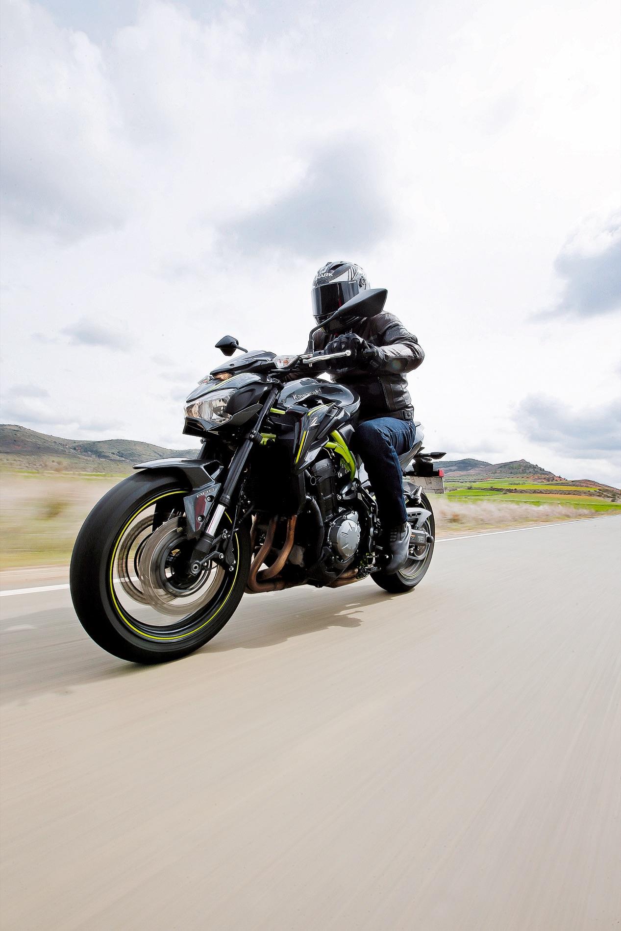 Comparativa Naked: Kawasaki Z900, Yamaha MT09, BMW F 800 R, Suzuki GSX-S 750