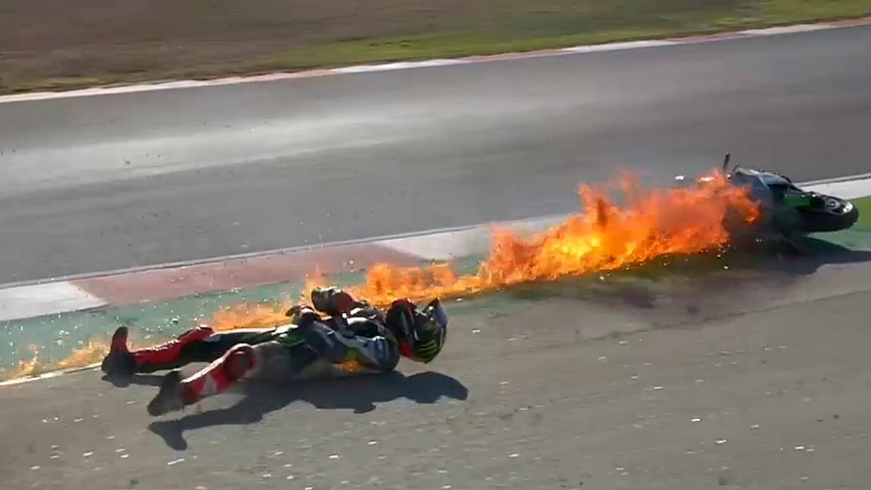 Espectacular accidente de Tom Sykes