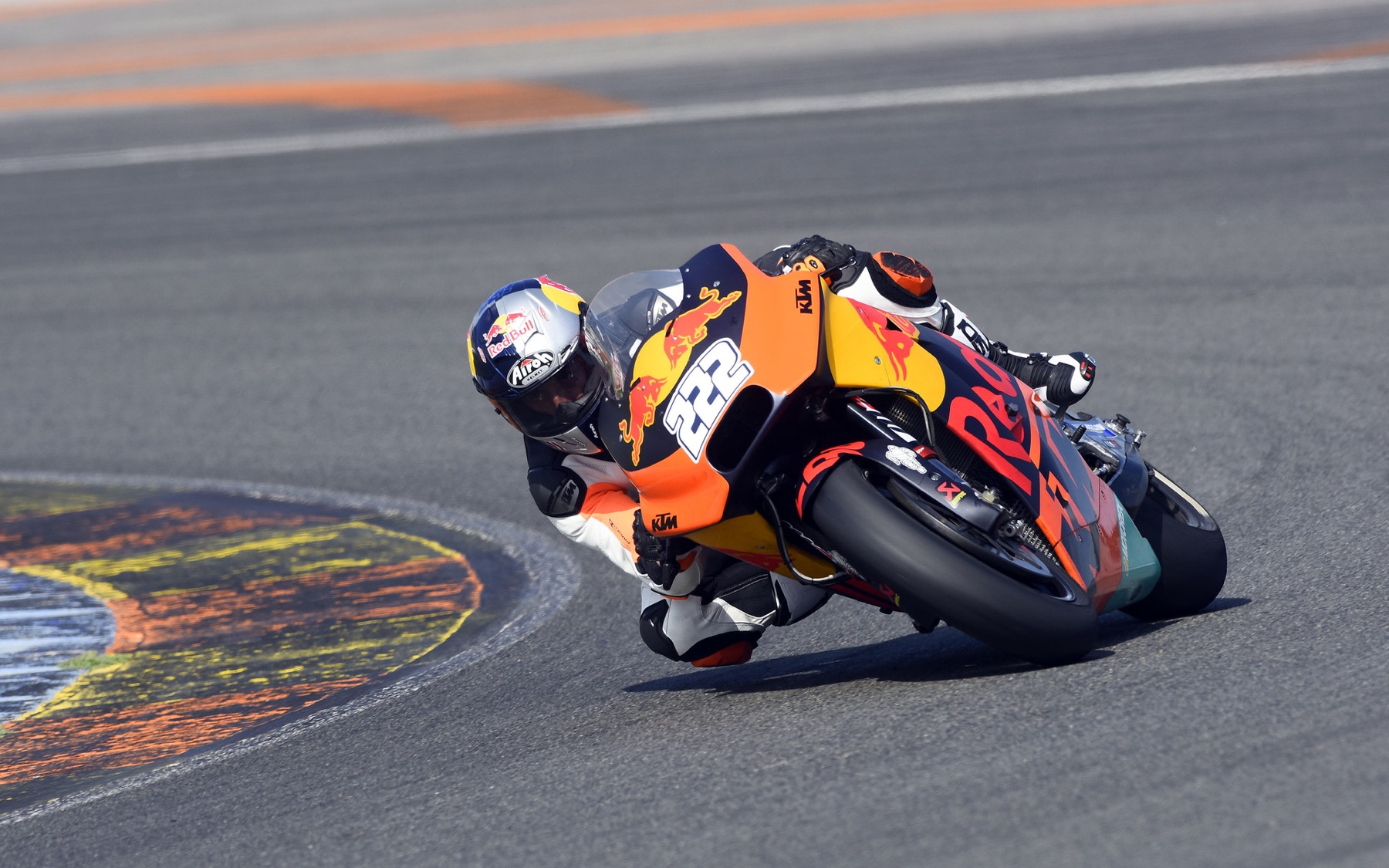 Tony Cairoli prueba la KTM de MotoGP