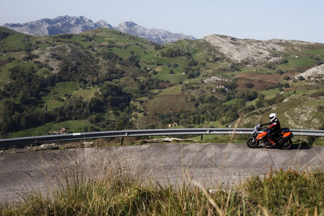 Ruta en moto por tierras de Soba y Asón con Ruralka